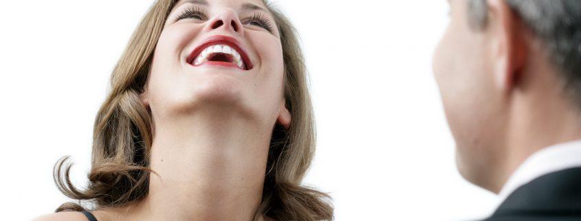Ein attraktives Lächeln dank CEREC kommt an